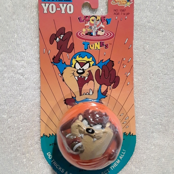 Vintage Looney tunes football Yo-Yo